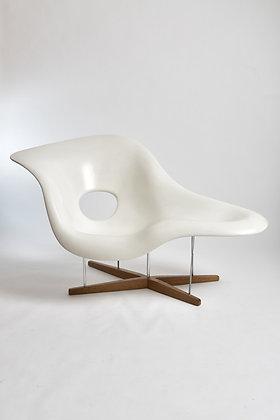 Charles & Ray Eames La Chaise