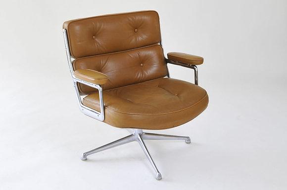 Eames Lobby Chair Lounge