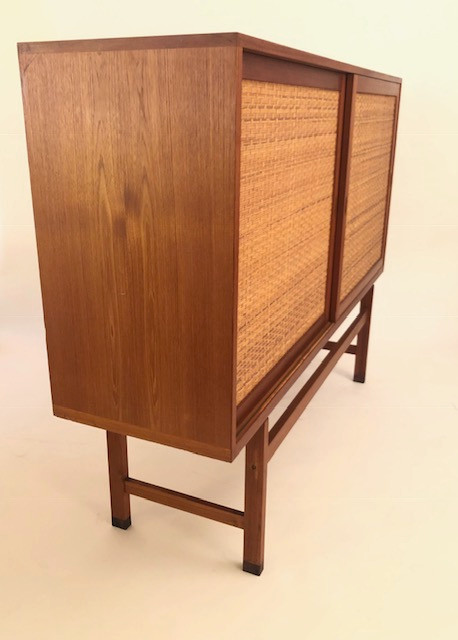 Hans J. Wegner Highboard