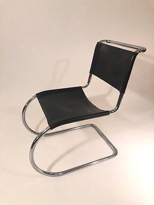 Ludwig Mies van der Rohe Stühle (4er Set)