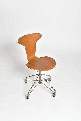 Arne Jacobsen Office Chair