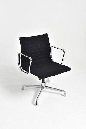 Charles & Ray Eames Modell EA 108