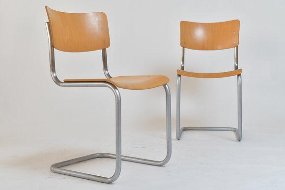 4 Thonet Freischwinger Stühle