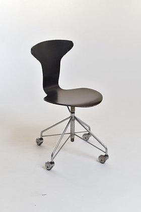 Arne Jacobsen Bürostuhl 3115