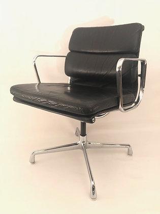 Eames Stühle Softpad EA207