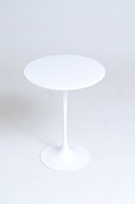 Eero Saarinen Sidetable