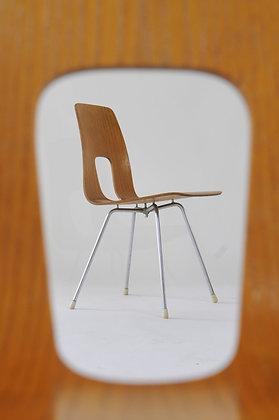 Hans Bellmann  Einpunktstühle Set