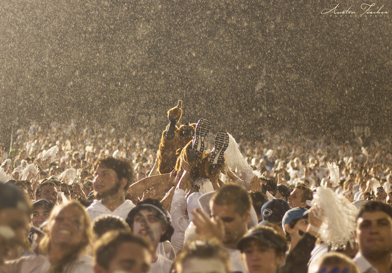 Crowdsurfing in the Rain