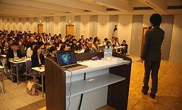 講演の様子|福岡