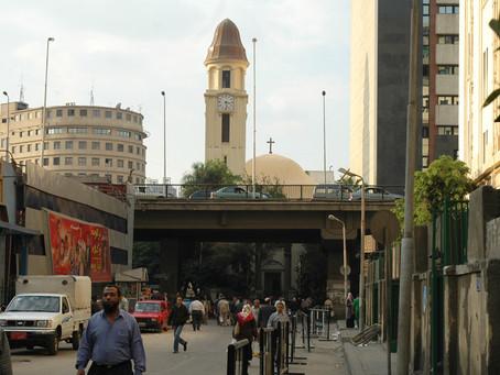 Kristne og muslimer fordømmer bombeangreb mod koptiske kirker i Egypten