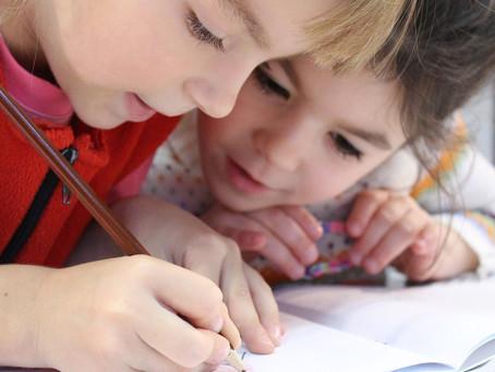 Børn tegner sig fri af krigstraumer