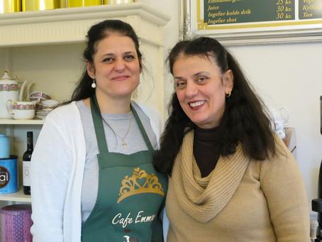 Assyriske søstre driver te-salon på Amager