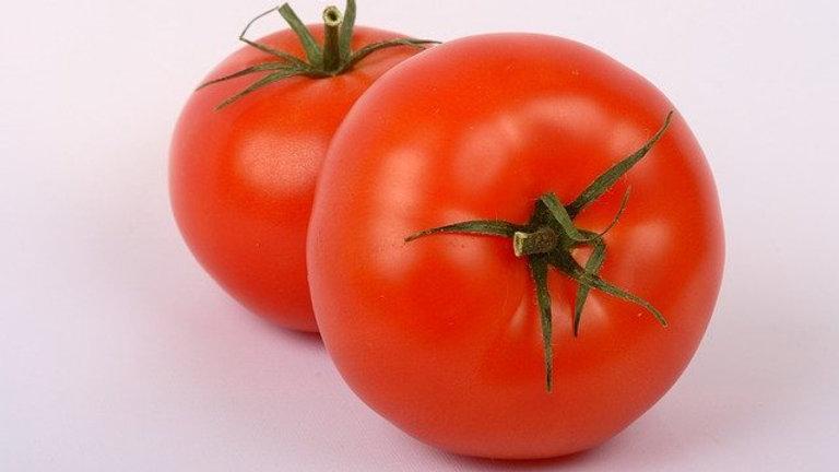 Tomate Redondo Mediano x 0,5 Kg