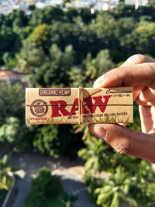 RAW Organic Connoisseur - 1 1/4 Size Rolling Papers with Tips (50 sheets + 50 ti