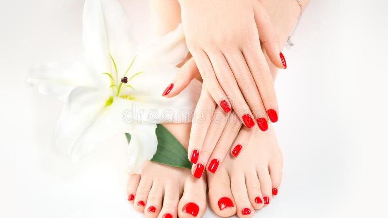 Pamper Package 2 (Manicure, Pedicure & Eyebrow Tidy)