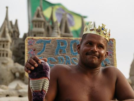 Rio de Janeiro'nun Kumdan Kale Kralı ile Tanışın