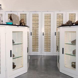 spacesaver-cabinets-museum-16.jpg