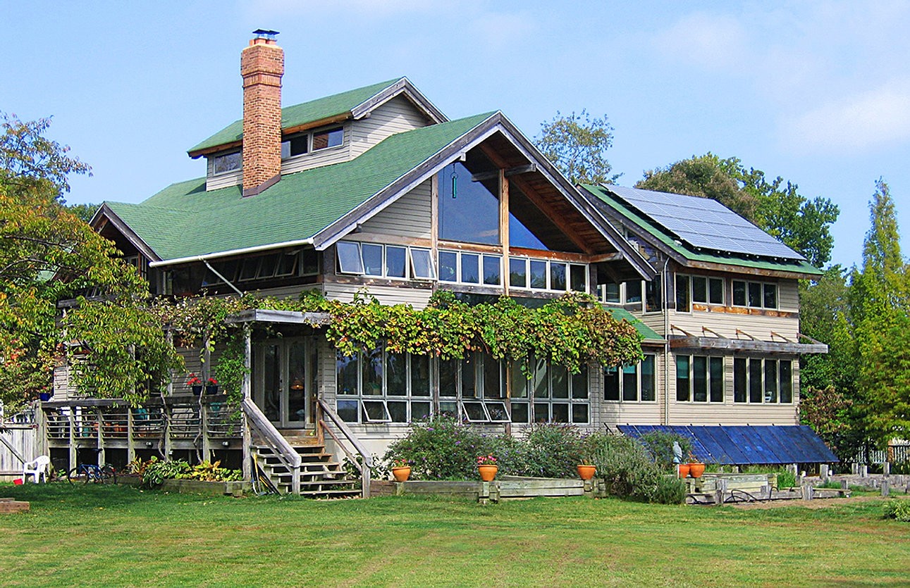 Custom green home design solar power Sustainable Design Group  Green Grid Independent Homes