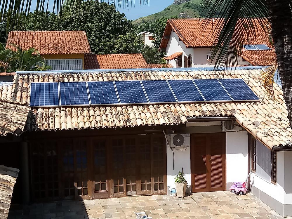 Kit fotovoltaico 2,6 kWp em residência no Recreio dos Bandeirantes (telha cerâmica)