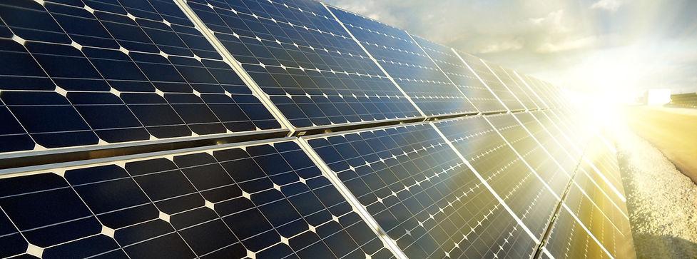 Instalação de Kits Fotovoltaicos conectados à rede com equipe técnica especializada. Gere sua própria energia e reduza sua conta de luz!