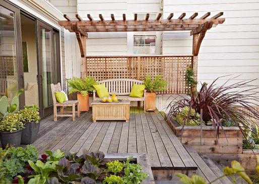 5 Motivos para Ter um Deck em Jardins Pequenos