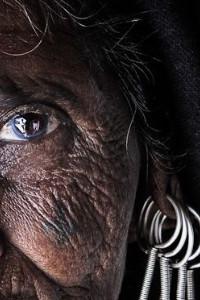 O olhar da anciã