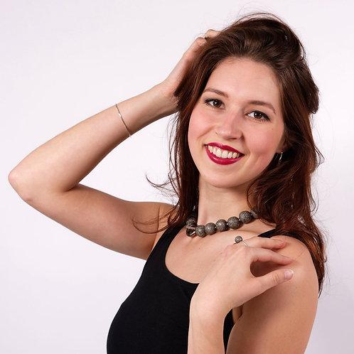 Collier perles effet dentelle