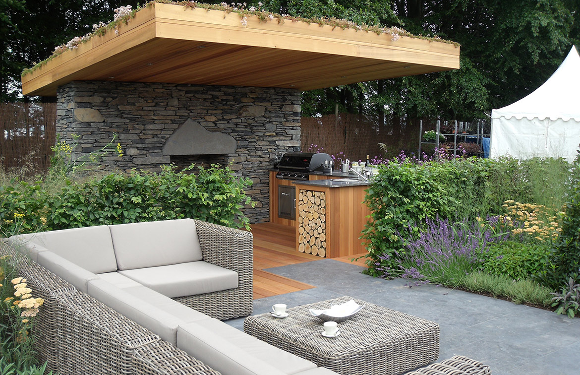 Tatton Garden Kitchen and seating area