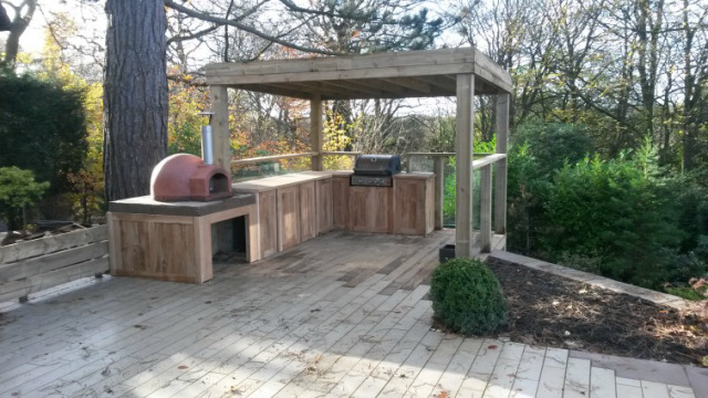 Oak outdoor kitchen North West