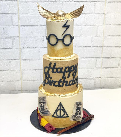 Harry Potter Cake Magic ⚡️ #showboybakes