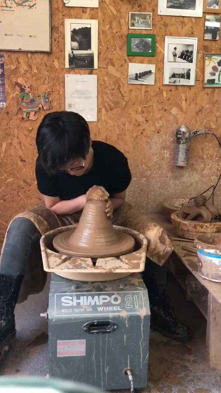 wheelthrowing workshop in #thessaloniki @almondgrworkshops for 9 days. . . #wheelthrowing #workshop #ceramics #clay #earthenware #pottery #ceramic #拉坯 #陶芸 #陶瓷