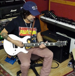 Caparison Phil Campbell from Motorhead  tracking with his Angelus-M3B