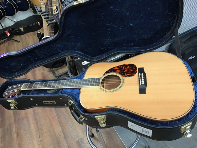Larrivee D-05 At Westcoast Guitars
