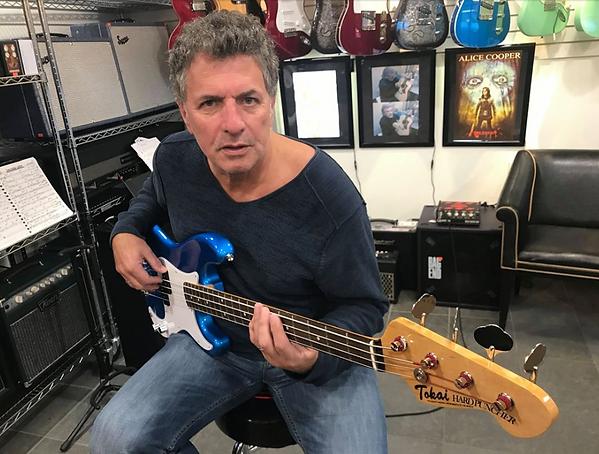 Mick Dalla-Vee Tokai Bass.png