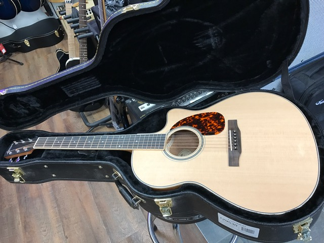 New Larrivee LV-03E At Westcoast Guitars