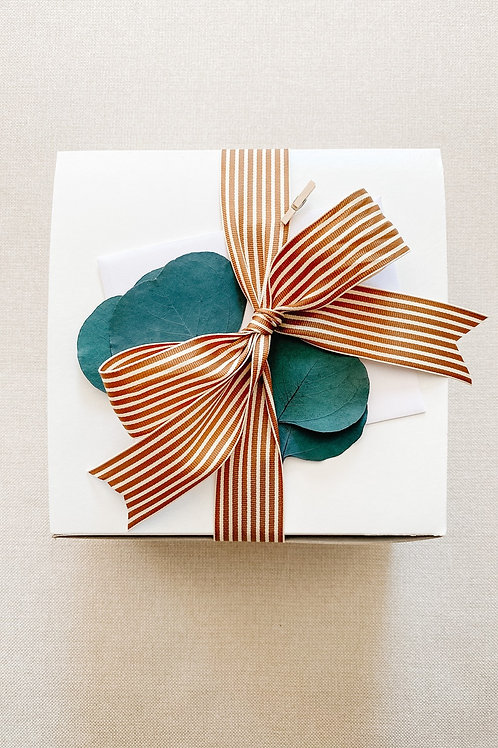 Small White Tuck Top Gift Box