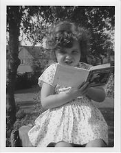 Louise reading cicra 1970.jpg