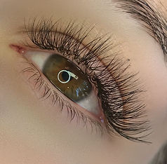 Russian Volume Eyelash Extesions