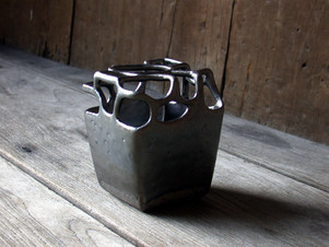透かし花器 2004
