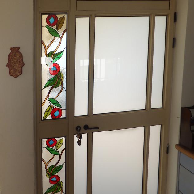 דלת כניסה בקציר