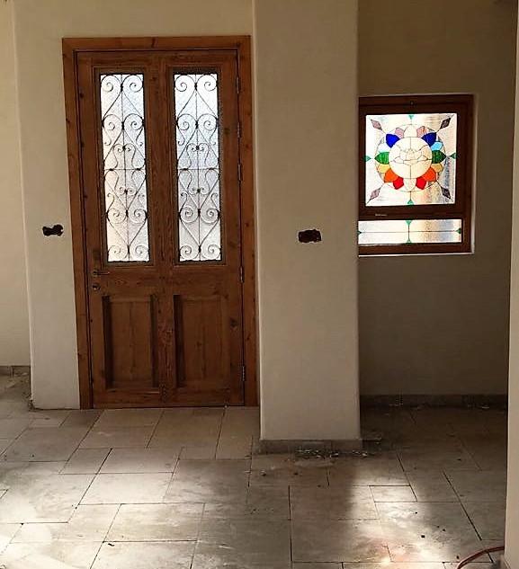 חלון בבית קשת