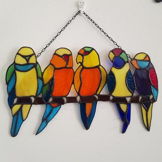 ציפורים על ענף.jpg