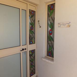 דלת בקציר מבט מהכניסה