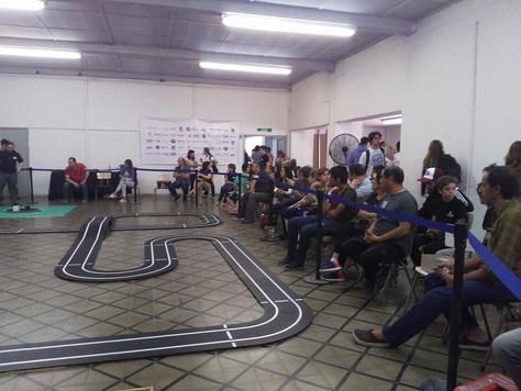 Participación en la competencia de robótica de la UM