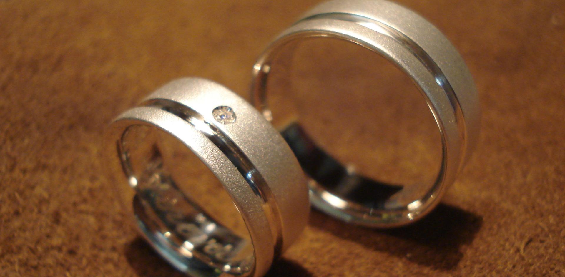 prata e brilhante H&C1