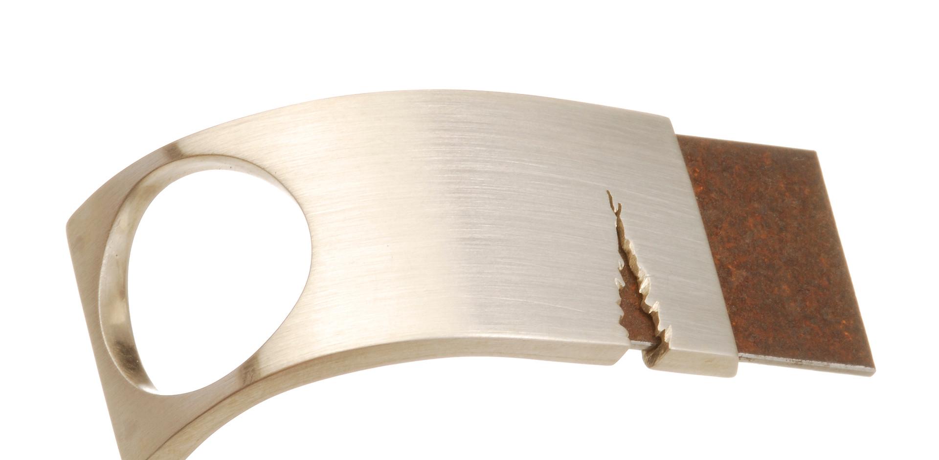 Essencia prata e ferro