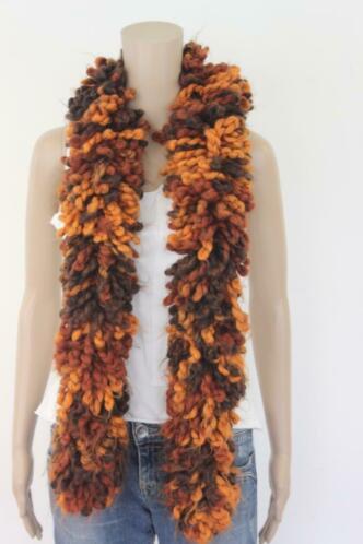 Bruin/oranje wollige sjaal
