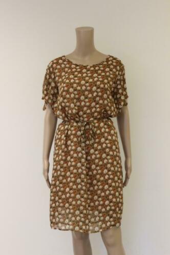 JC Sophie - camel jurk met bloemen, maat 38