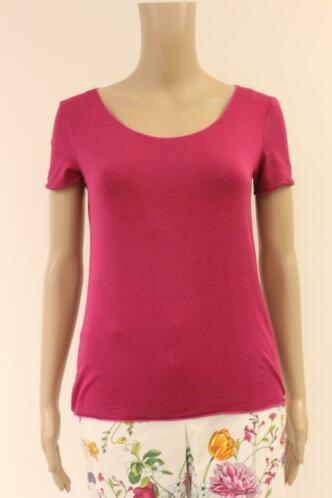 Armani roze t-shirt maat 38 (Italiaanse maat 44)