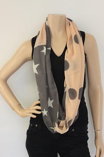 Grijs/roze sjaal met sterren en stippen